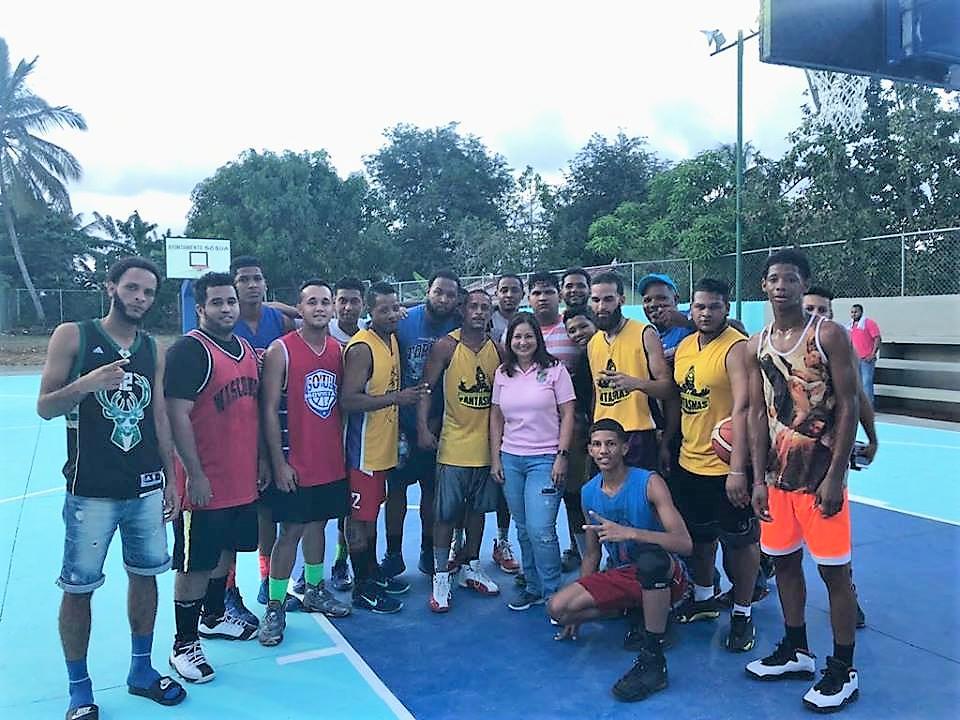 Basketbalveld in Cangrejos