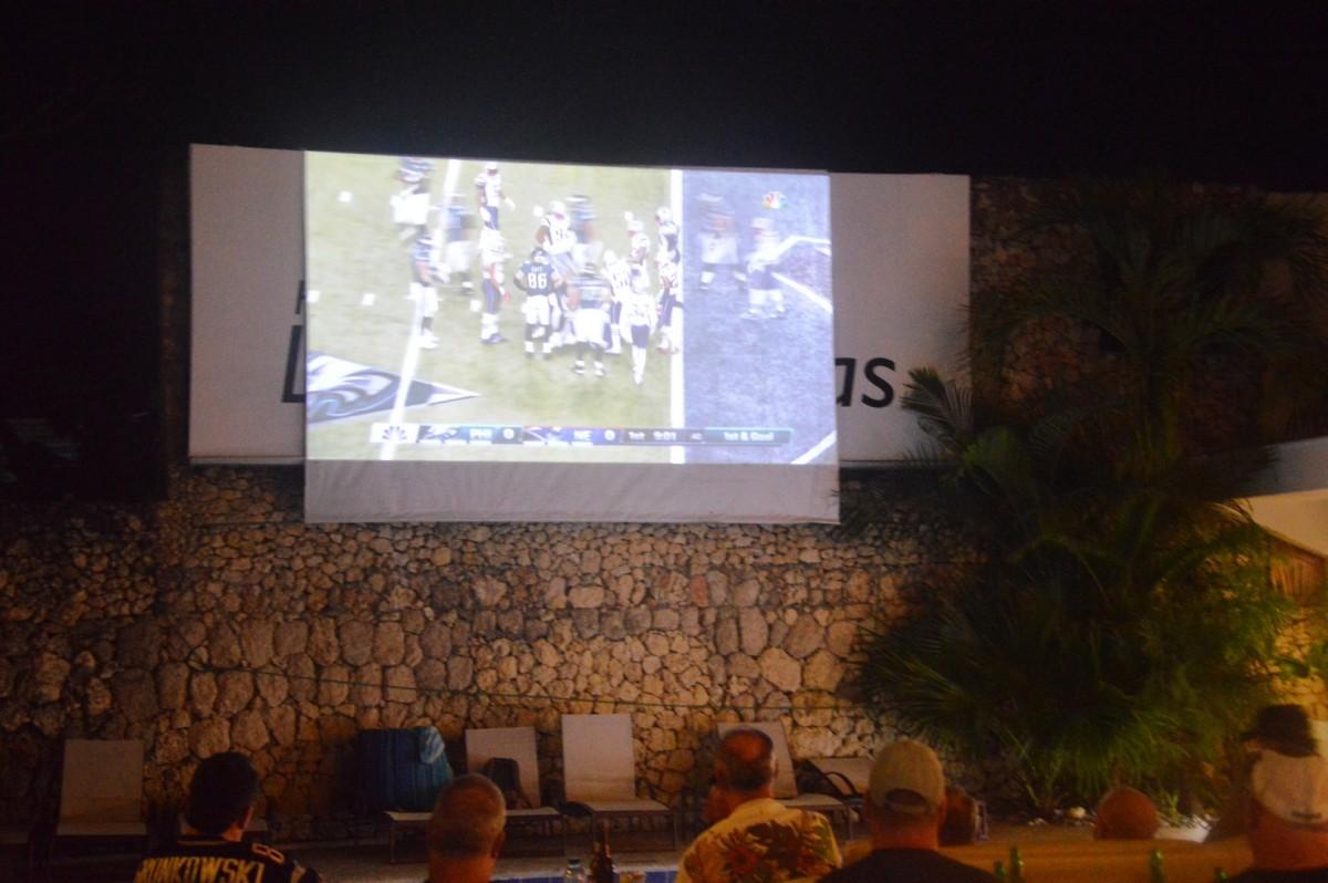 Super Bowl @ Midtown Restaurant