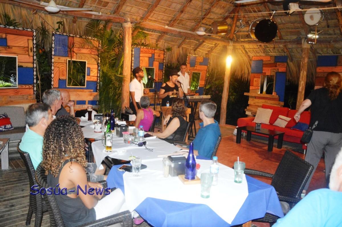 Trio Melody @ Parada Tipica el Choco